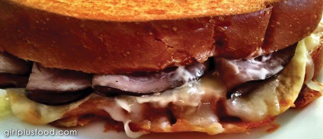 Cheesy, Crunchy, Roast Beef Sandwich